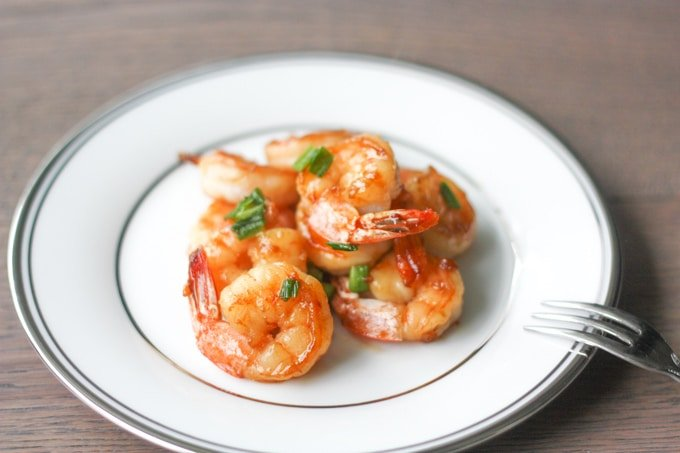 Pan-fried Garlic Prawns with Soy Sauce: This recipe is so easy to prepare and make. It makes a delicious appetizer or can be served over rice | aheadofthyme.com