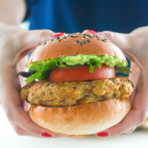 Homemade Veggie Burger with Lima Beans: You don't need to be vegetarian to enjoy a protein-packed, juicy and flavourful homemade veggie burger with lima beans. | aheadofthyme.com