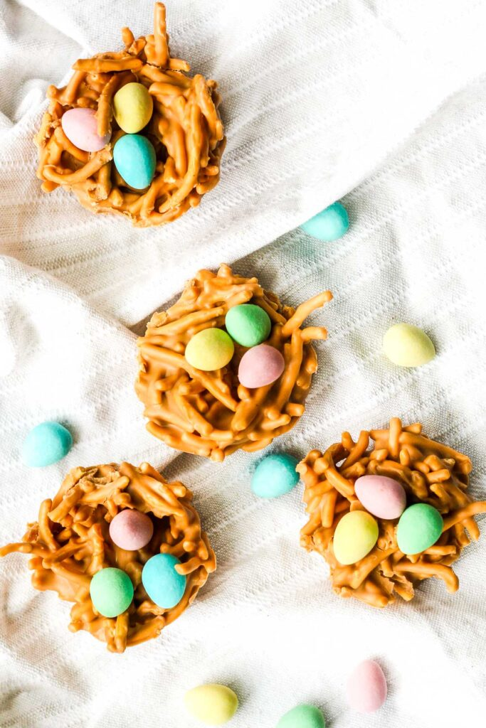 Spring is in the air and Easter is right around the corner. This calls for a batch of adorable no bake butterscotch and peanut butter bird's nest cookies. | aheadofthyme.com