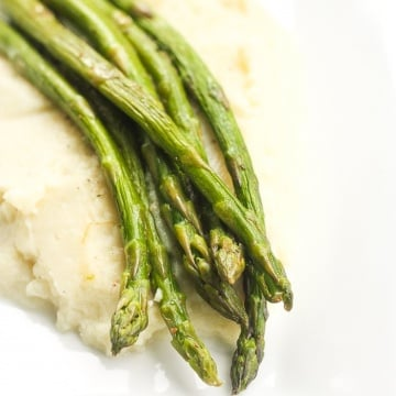Quick and Easy Sautéed Asparagus: Keep dinner healthy, yet full of flavour with a side of quick and easy sautéed asparagus: the perfect companion to your main dish | aheadofthyme.com