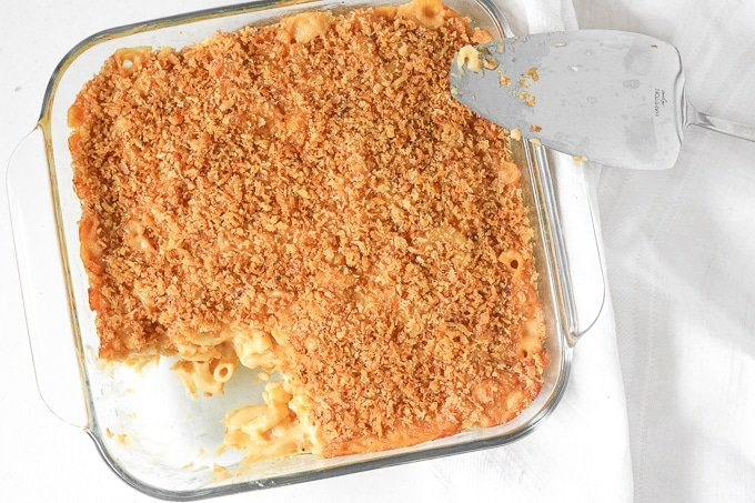 Classic Baked Macaroni and Cheese: It's officially fall so bring on the ultimate comfort food -- creamy, cheesy, classic baked macaroni and cheese with a crunchy topping | aheadofthyme.com