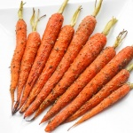 Easy Garlic and Herb Roasted Carrots