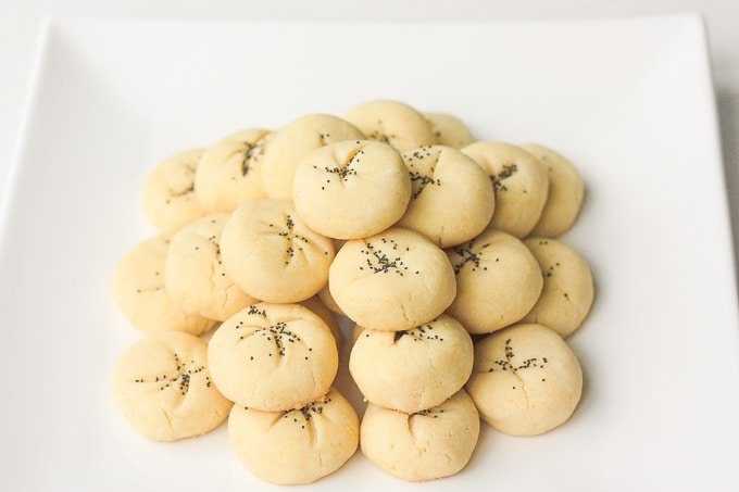 Persian Rice Cookies with Poppy Seeds (Nan-e Berenji) are irresistible, melt-in-your-mouth cookies made of rice flour, fragrant rose water and poppy seeds. | aheadofthyme.com