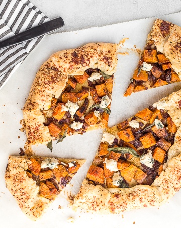This butternut squash galette (free-form tart) is the perfect meal any time of day! Serve it with a fried egg for breakfast or alongside a big salad for lunch or dinner.   aheadofthyme.com