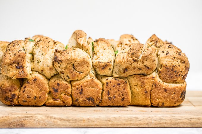 Pull apart garlic bread is fluffy, buttery, flavourful, melts in your mouth, and tears easily for optimal sharing. You don't need any other bread at the dinner table. | aheadofthyme.com
