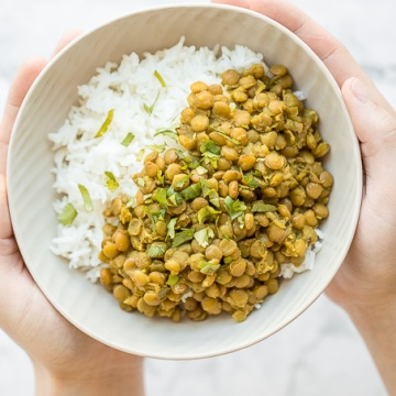 Easy 20-minute one pot lentils is vegan, gluten-free, and packed with protein. It's immune boosting properties makes it the perfect self-quarantine food. | aheadofthyme.com