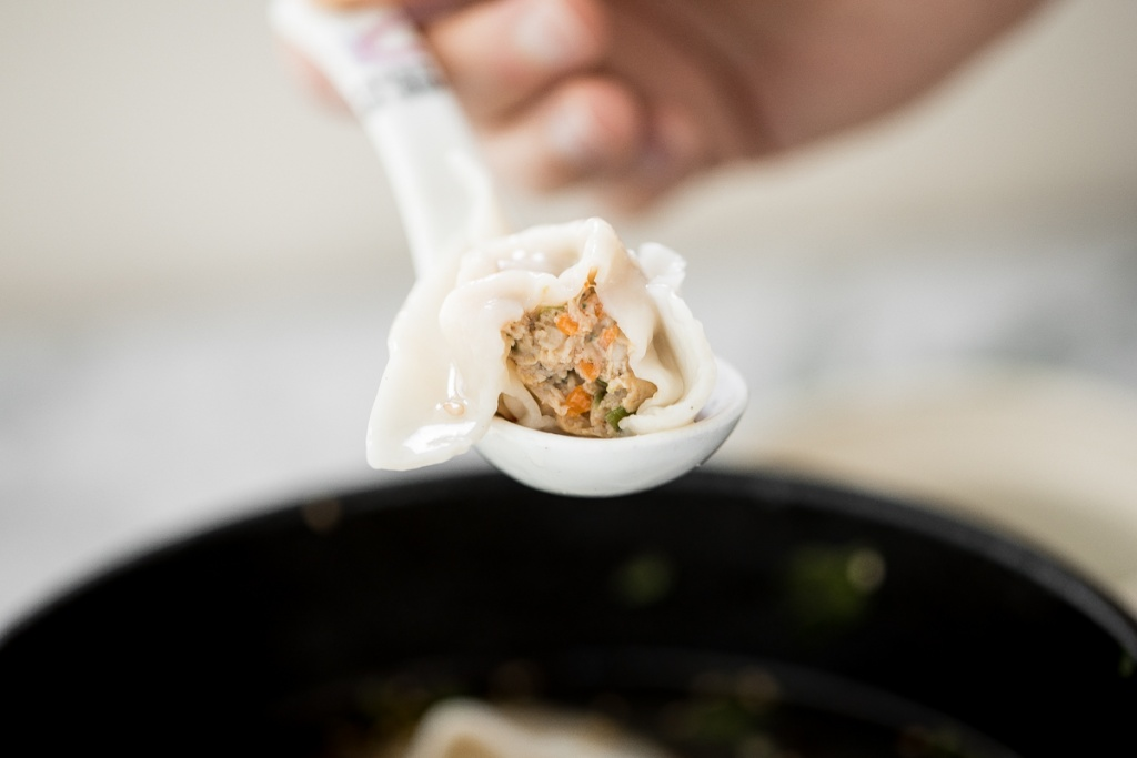 This easy, better than takeout, 10-minute Shanghai style wonton soup is the perfect soup to make for one person and is packed with classic Asian flavours.   aheadofthyme.com