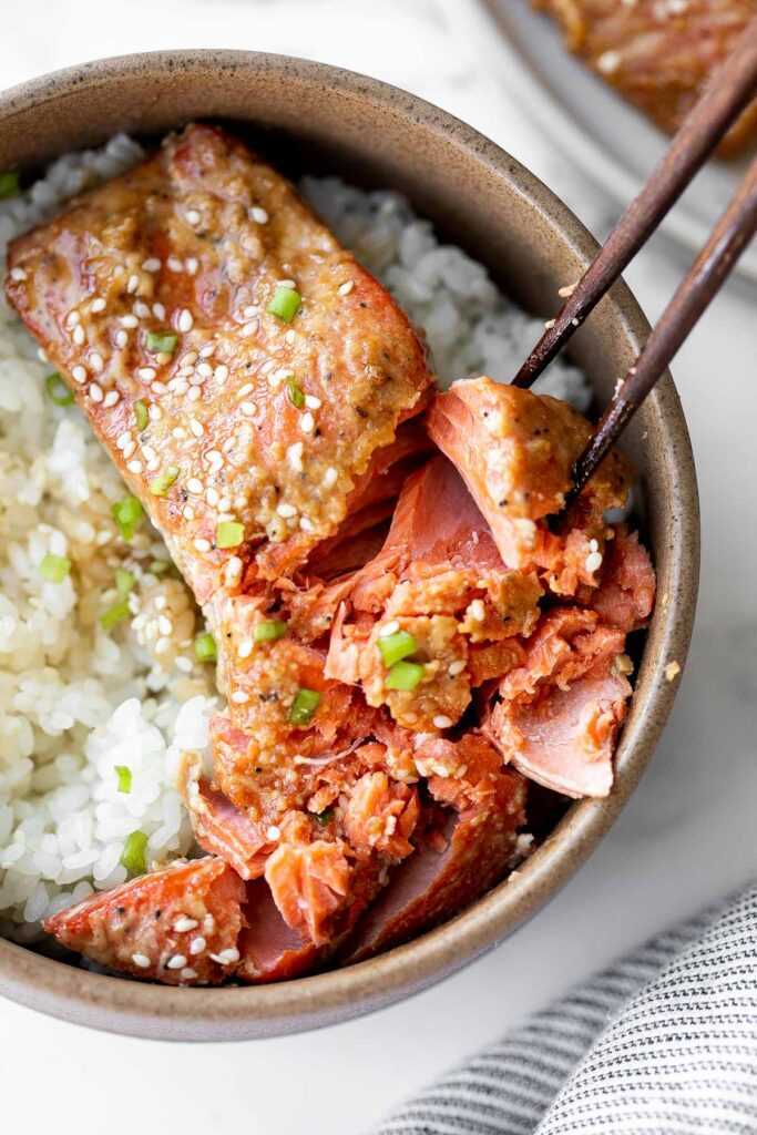 Baked miso salmon brings traditional Japanese flavours to the forefront, with a healthy and delicious meal that's easy to make on busy weeknights. | aheadofthyme.com