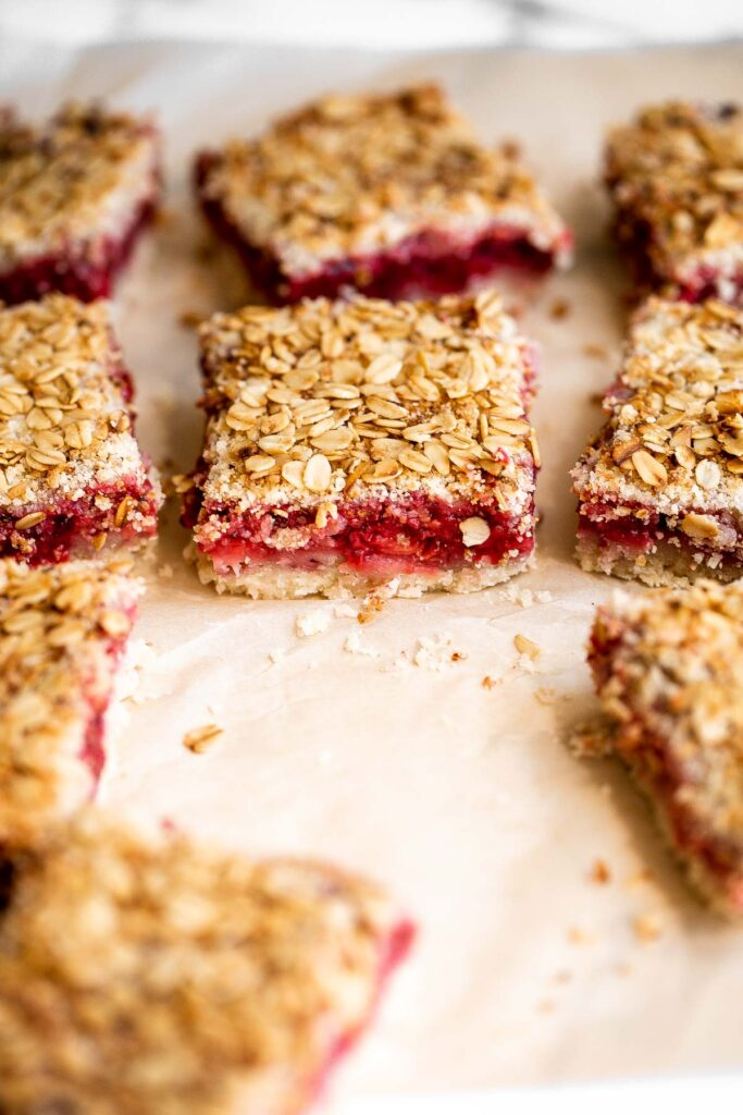 Strawberry crumb bars are sweet, savory, and tart, with jammy strawberries sandwiched between a crumbly pastry layer and an oatmeal streusel-like topping.   aheadofthyme.com