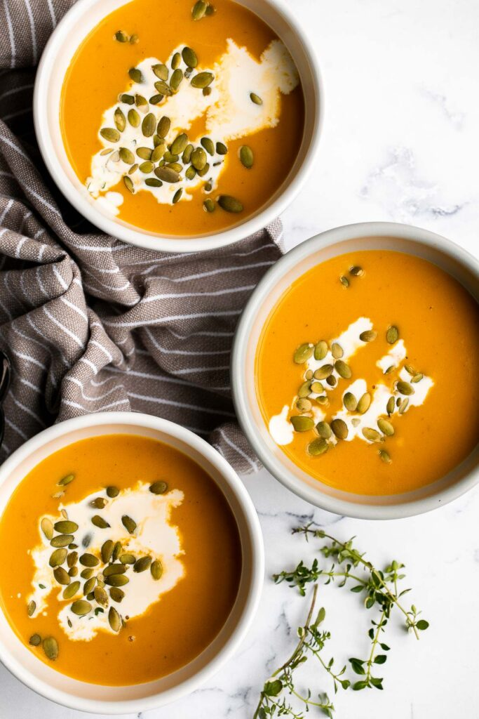 Instant pot butternut squash soup is the perfect fall dish to cook in your pressure cooker — warm, cozy, comforting, and creamy. Make in 15 minutes. | familycuisine.net